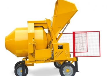 Concrete Mixers 101: A complete guide to different models