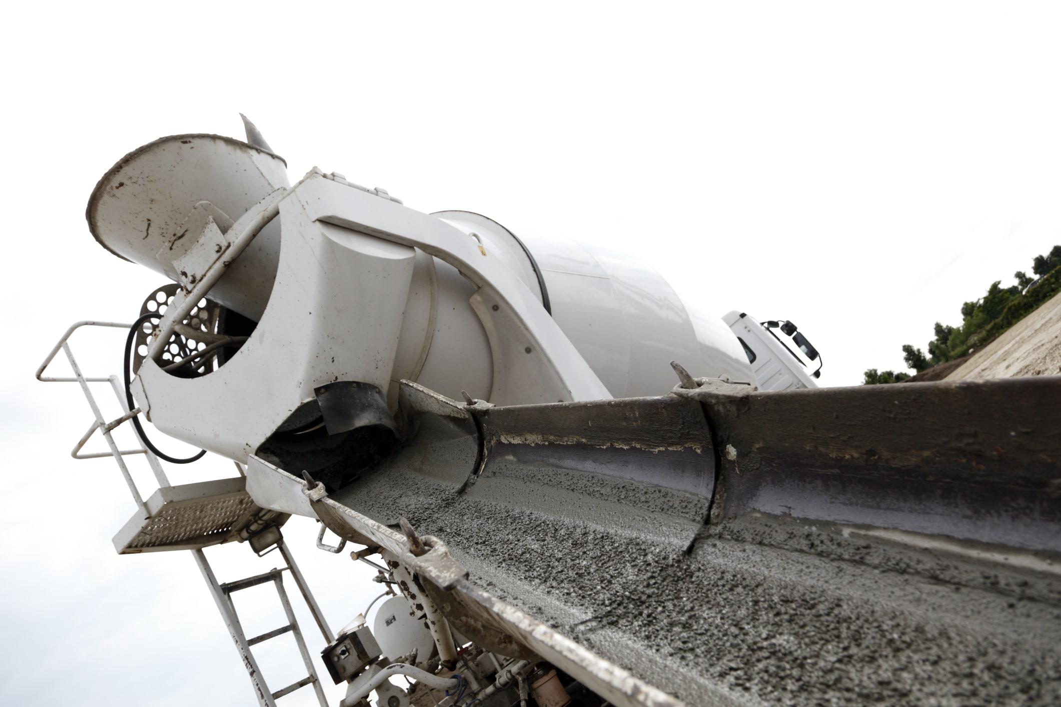 concrete-mixer-machine-cement-truck-and-chute-18728390-min
