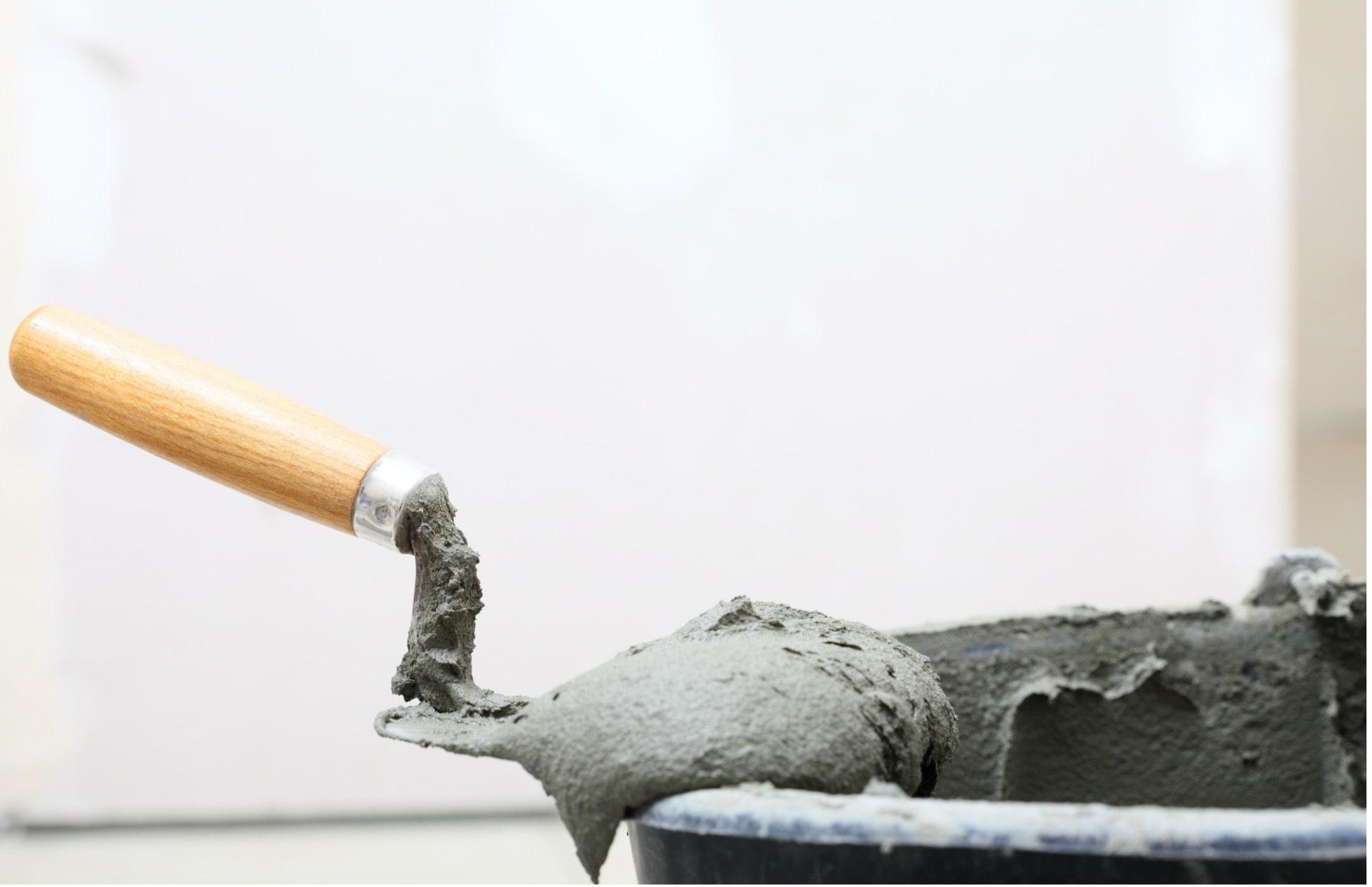 concrete-mixers-spatula-cement-bucket-min