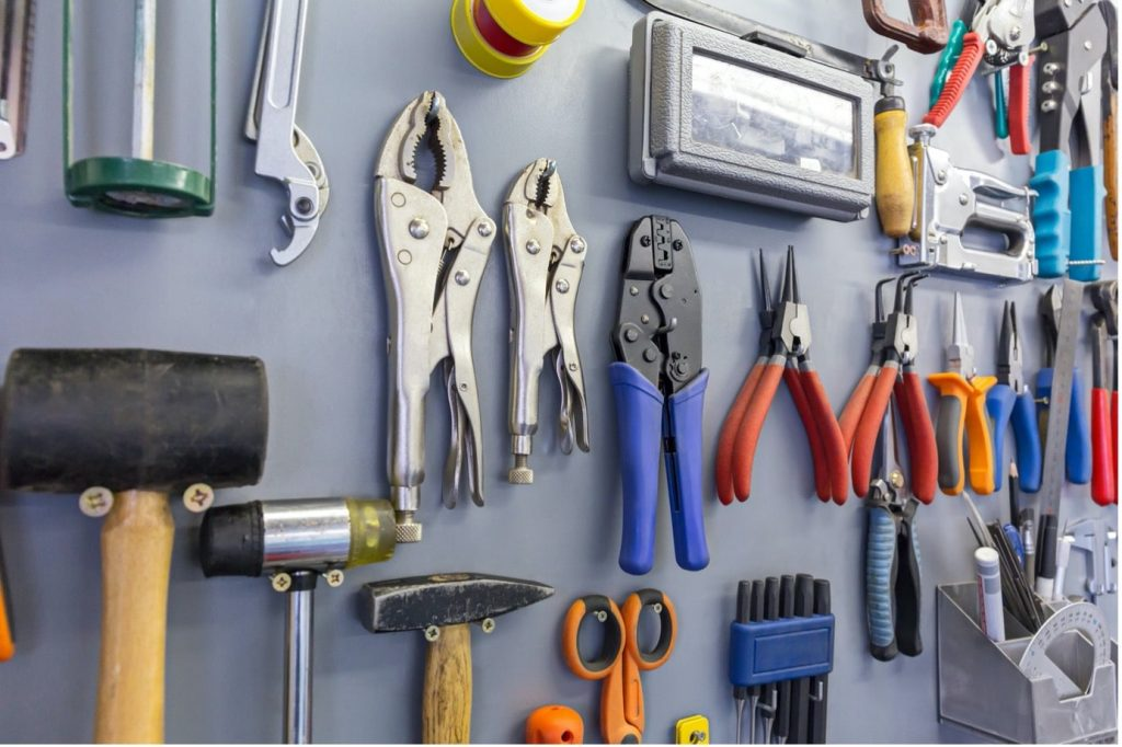 concrete-mixers-hanging-tools-wall-min