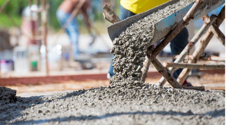 concrete-mixers-sunny-shot-concrete-pour-min