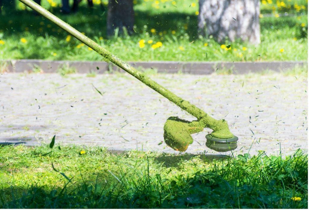 stihl-brushcutters-closeup-green-blade-min