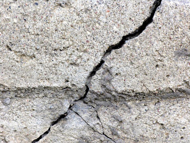 concrete-mixers-crack-min
