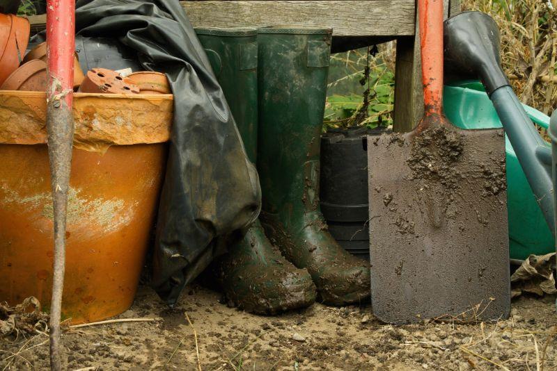ride-on-mower-muddy-boots-min