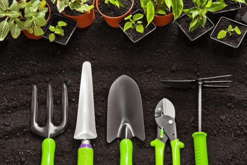 stihl-brushcutters-garden-tools-min